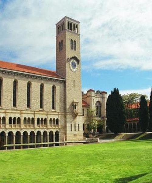 皇家山大学代写-皇家山大学申请说明